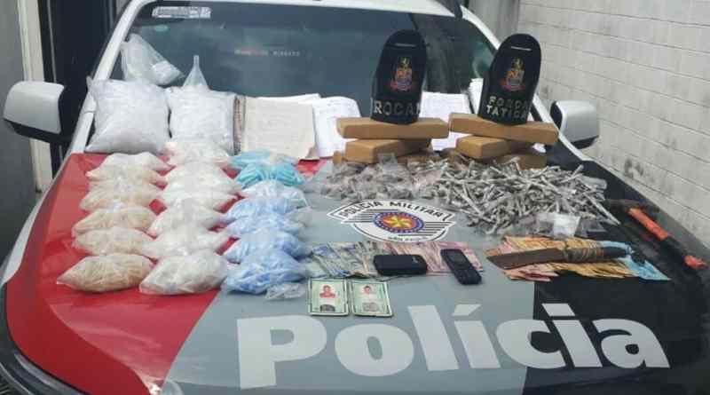 PM estoura depósito de drogas em Carapicuíba