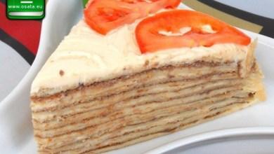 Рецепта за солена палачинкова торта с бекон и топено сирене