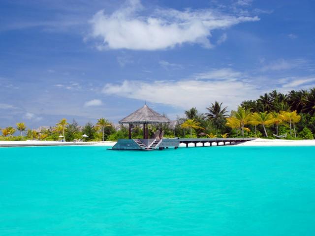 Наладху, Малдиви - кей за пристигане