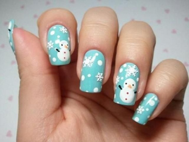 Идеи за Коледа и Нова година - маникюр със снежинки и снежни човечета