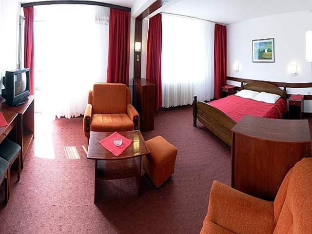 Хотел Моравица, Сокобаня - така изглеждат стаите на сайта на Юбим