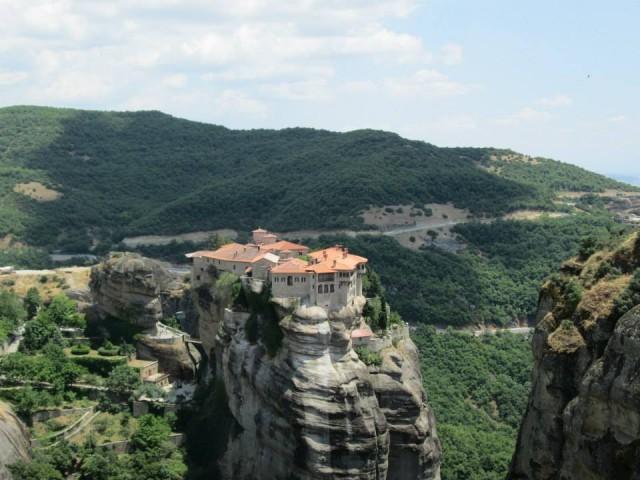 Забелжителности в Калабака,Централна Гърция Манастирски комплекс Метеора