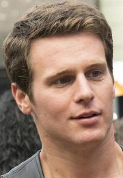 bal-frankie-alvarez-and-jonathan-groff-go-leather-in-episode-4-20140209