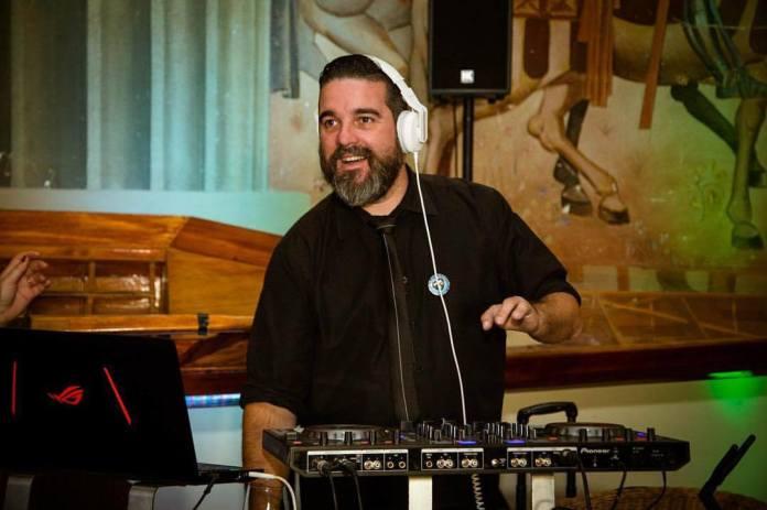 DJ Pedro Monchique celebra 25 anos de carreira com biografia digital