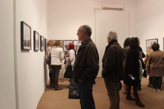 A exposição reparte-se por três salas do Museu de Arqueologia e Etnografia do Distrito de Setúbal