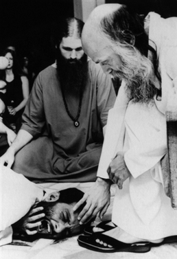 Arun and Osho in darshan