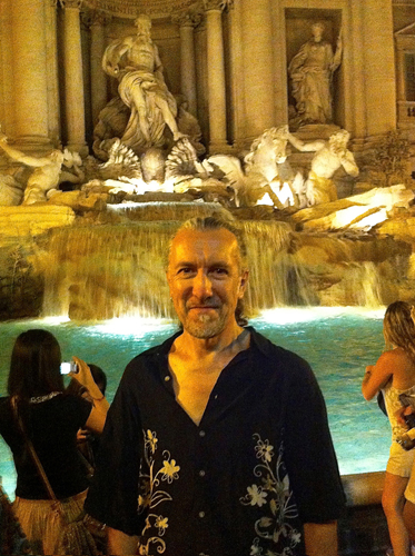Navyo glows at Trevi fountain