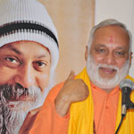 Arun with Osho picture