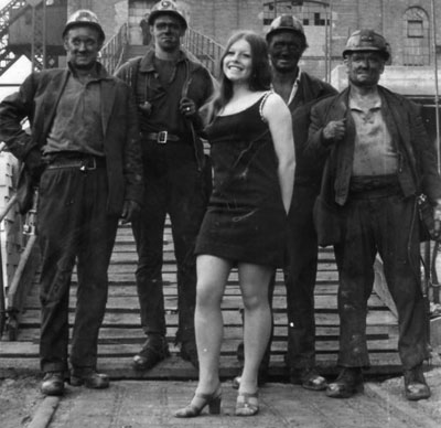 Leela-with-miners-cr-Peter-Bower3
