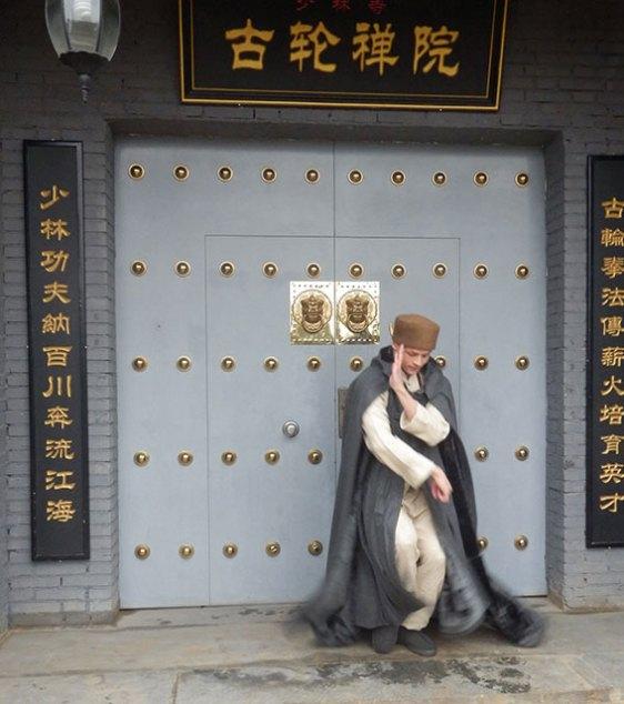 Xingyuan and his dramatic cloak!