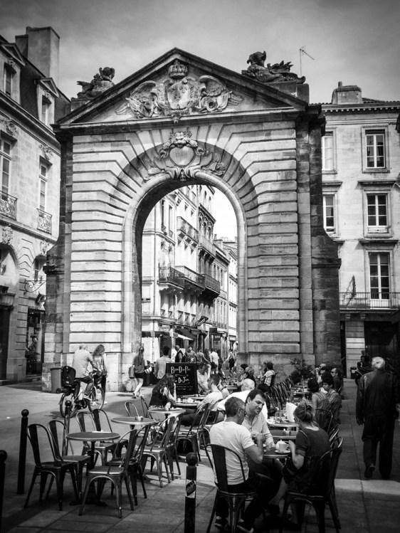 Street Life -  Porte Dijeaux
