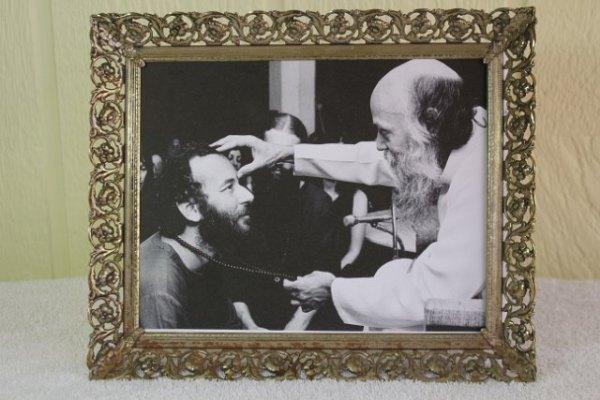 Viramo takes sannyas in October 1979.