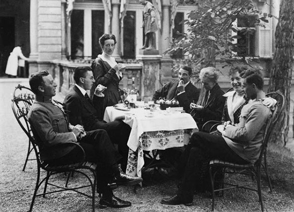 the-wittgenstein-family-vienna-summer-1917