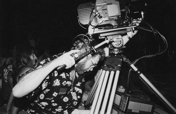 Bhikkhu-at-the-video-camera