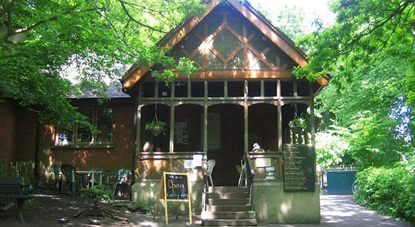 Queens Wood Café