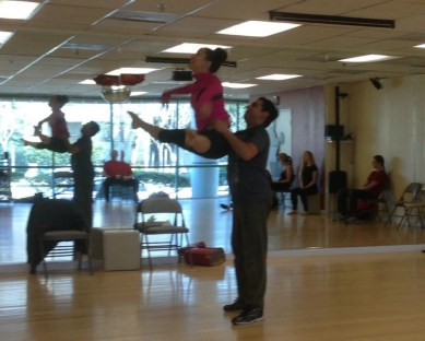 Ensayos de la obra Las Alas de Oshun Rehearsal of the show The Oshun Wings Creadora Directora Coreografa Bailarina Profesional dance jumps Maritza Rosales 04
