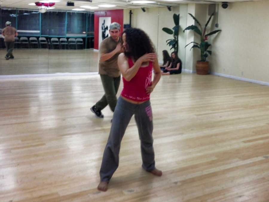 Rehearsal of the show The Oshun Wings Ensayos de Las Alas de Oshun Creadora Creator Directora Coreographer dancer Bailarina Professional teaching show Maritza Rosales 10