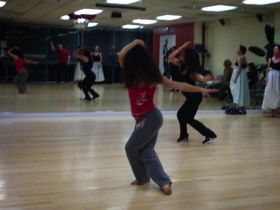 Rehearsal of the show The Oshun Wings Ensayos de Las Alas de Oshun Creadora Director Coreographer dancer Bailarina Profesional pro emotions movements Maritza Rosales 08