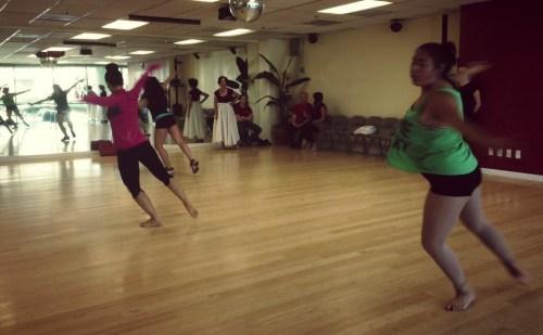 Rehearsal of the show The Oshun Wings Ensayos de Las Alas de Oshun Creadora Directora Coreographer dancer Bailarina Profesional pro emotions show Maritza Rosales 09