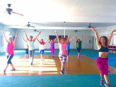 Clases de Boombafro por Maritza Rosales Bailarina Instructora Coreografa Creadora y Directora Profesional de este estilo de clase AfroCubano Latino Cardio Tonificacion Reductiva Yoga Meditacion 034