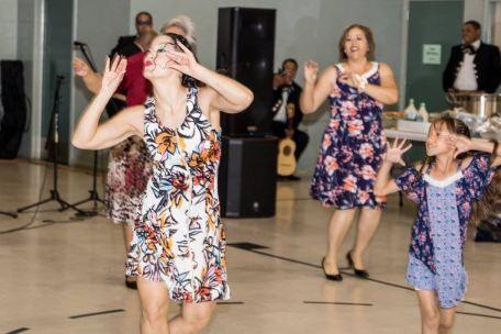 Maritza Rosales Bailarina Instructora Coreografa Profesional en Bailes Populares y de Salon Ritmos Cubanos y Latinos Rumba Mambo Salsa Merengue Cumbia 032