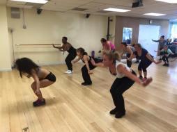 Boombafro Master Class por Maritza Rosales Bailarina Instructora Coreografa Creadora y Directora Profesional de este estilo de clase AfroCubano Latino Cardio Tonificacion Yoga Meditacion 007