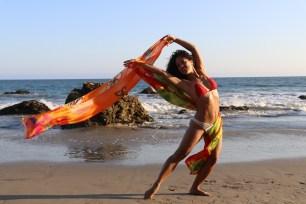 Maritza Rosales Bailraina Instructora Coreografa Profesional de Danza Moderna y Contemporaneo Tecnica Cubana 002