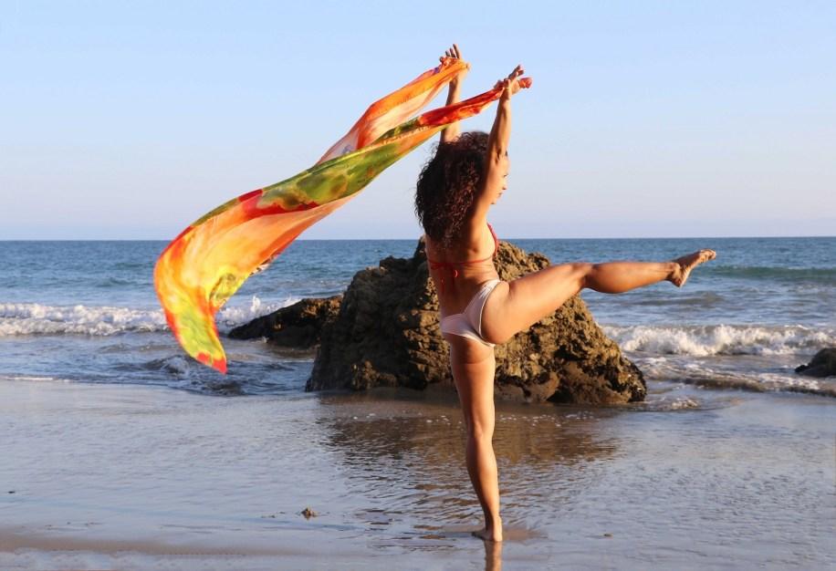 Maritza Rosales Bailraina Instructora Coreografa Profesional de Danza Moderna y Contemporaneo Tecnica Cubana 025