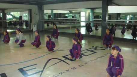 Ballet Clasico clase en grupo acondisionamiento fisico coreografo Maritza Rosales 10