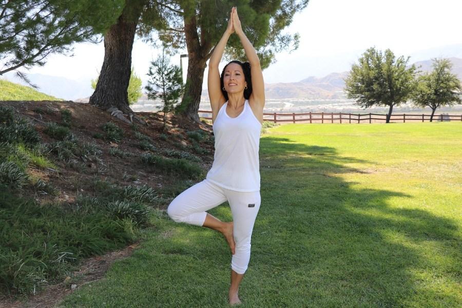 Yoga estiramiento reductiva meditacion relajacion posturas sanacion conexion cuerpo mente Instructora Maritza Rosales 033