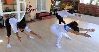 clase privada de Yoga postura y meditacion instructora Maritza Rosales Bailarina Coreografa Fundadora y Directora de Oshun Wings Dance Art and Entertainment 021