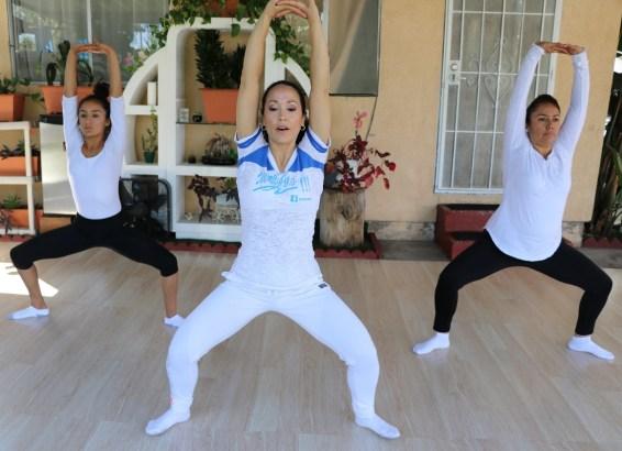 clase privada de Yoga postura y meditacion instructora Maritza Rosales Bailarina Coreografa Fundadora y Directora de Oshun Wings Dance Art and Entertainment 027