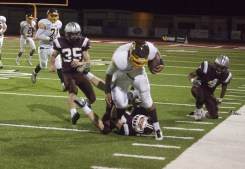 Anthony Taele bowles over defenders for a 64 yard touchdown.