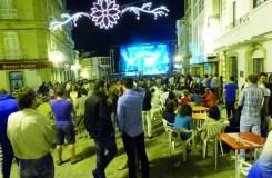 Unha festa temática dos 80 abre as festas de Viana do Bolo