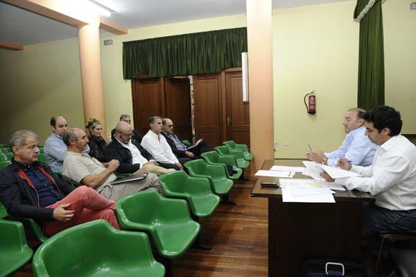 Pleno da IXP Castaña de Galicia na Casa da Cultura de Rubiá./ Foto: Carlos G. Hervella.