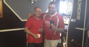 Torneo de dardos no bar Habana do Barco