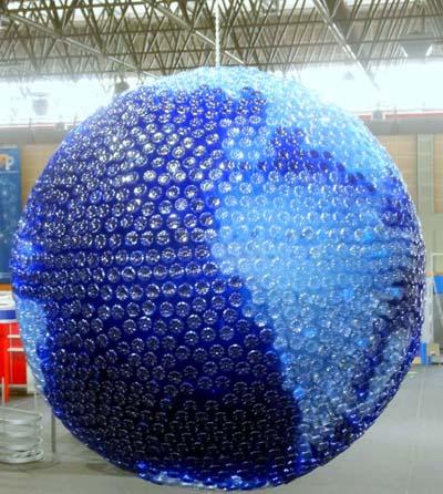 """A obra """"Planeta Azul"""" do artista ourensán."""