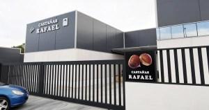 Castañas Rafael estrea instalacións no polígono de Rubiá