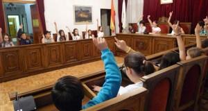 Pleno infantil do CEIP Condesa Fenosa no Concello do Barco