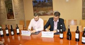 Os Colleiteiros do Ribeiro asinan un convenio con Seur