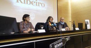 O Ribeiro actualiza a súa contraetiqueta certificadora corenta anos despois