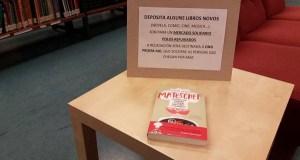 Recollida de libros a favor dos refuxiados, na Biblioteca da Rúa