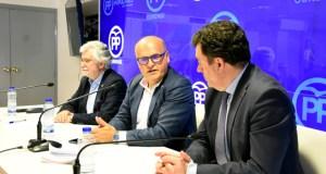 """Baltar pide """"máis forza, participación e compromiso"""" aos afiliados para as municipais"""
