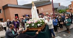 Procesión da Virxe de Fátima no Barco
