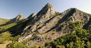 Os parques naturais da Serra da Enciña da Lastra e do Invernadeiro reciben a universitarios
