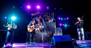 O Ruxe Ruxe de Quiroga celebra o aniversario coa actuación de Peregrino Gris