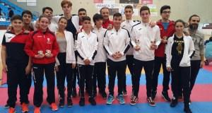 Boa actuación dos karatekas valdeorreses no campionato galego CAD/JUN/S21