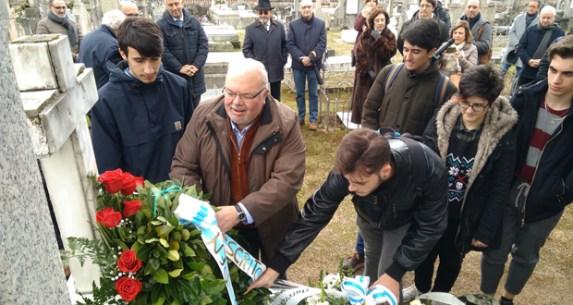 Homenaxe A Eduardo Blanco Amor No Cemiterio De San Francisco De