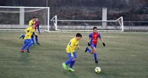 Tarde de fútbol pasada por auga, no Aguillón