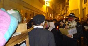 Choros, candeas e coplas satíricas no enterro da sardiña do Barco
